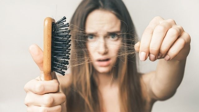 Neden Saçlarım Dökülüyor