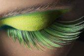 Göz Kalemi İle Yapılacak 25 Makyaj Hilesi