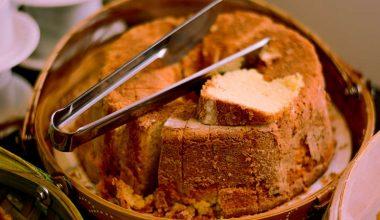 Glutensiz tarçınlı üzümlü kek